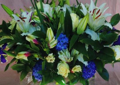 Caja de flores variadas